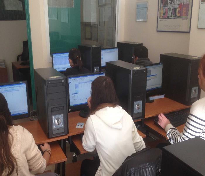 Πρακτική εξάσκηση τμήματος TEST4U για τους μαθητές του Computers L@b Παπαγιαννόπουλος για το ECDL στη Λάρισα.